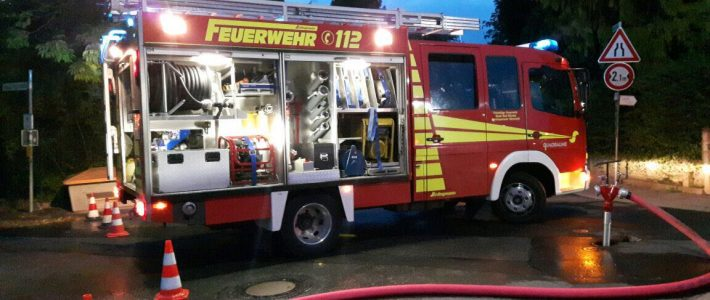 Einsatzübung: Dachstuhlbrand in Nettelrede