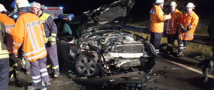 Einsatz: Schwerer Verkehrsunfall auf B442